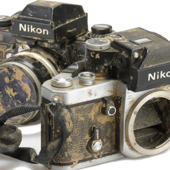 2011年3月11日 東日本大震災 陸前高田の津波被災跡から発見されたカメラ
